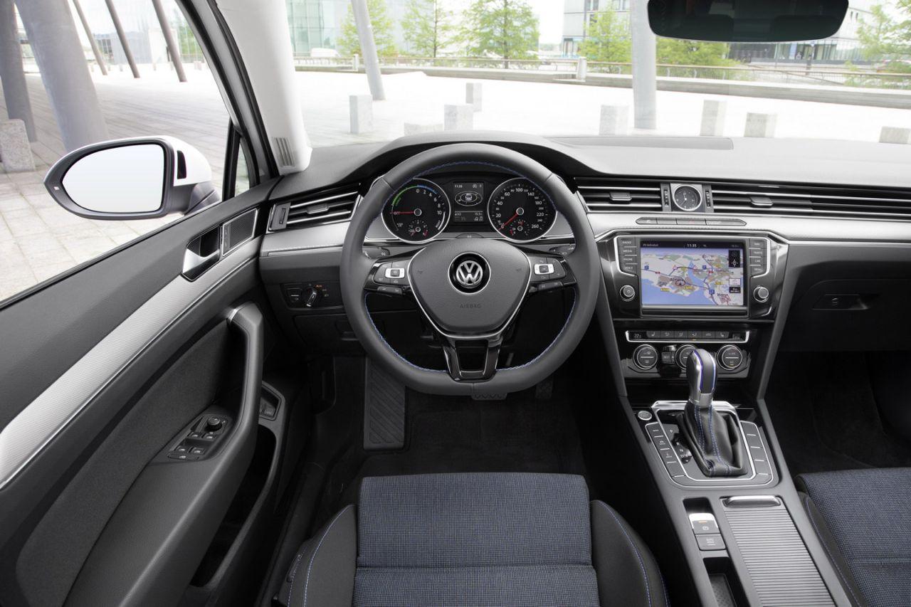 Volkswagen Passat Gte Segundo Paso En El Camino H 237 Brido