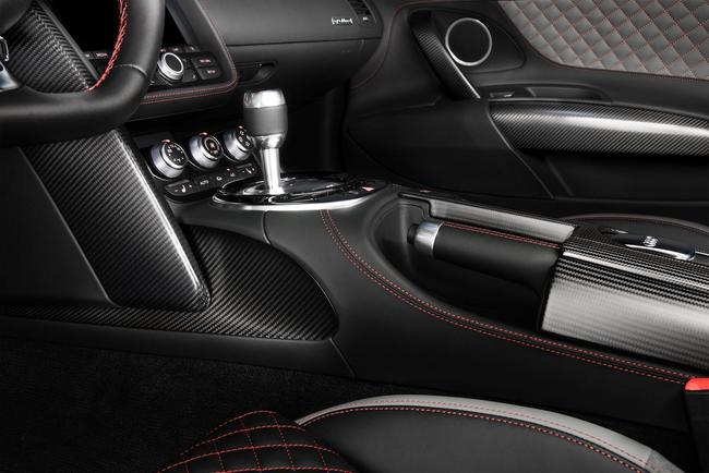 Audi R8 Competition 2104 interior 01