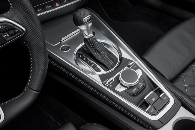 Audi TTS Roadster 2015 interior 05