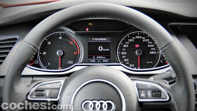 Audi_A4_2.0_TDI_Multitronic_23