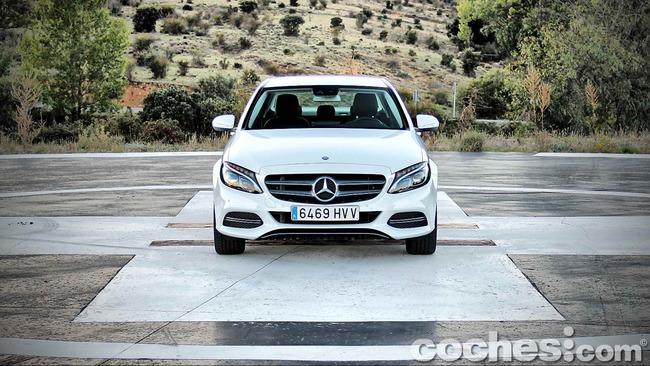 Mercedes_Benz_Clase_C_180_03