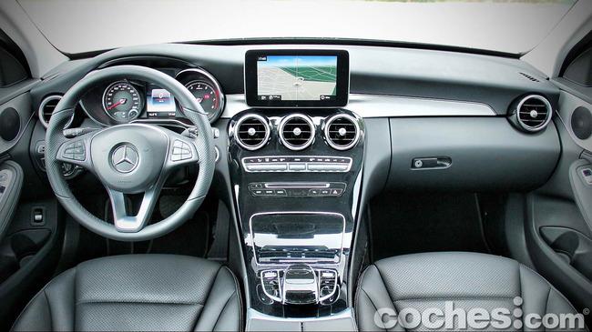 Mercedes_Benz_Clase_C_180_34