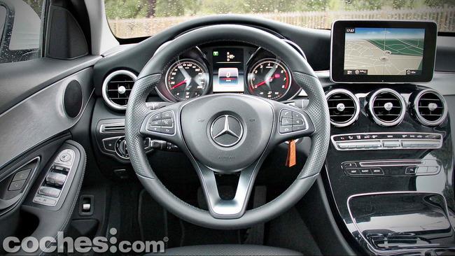 Mercedes_Benz_Clase_C_180_37