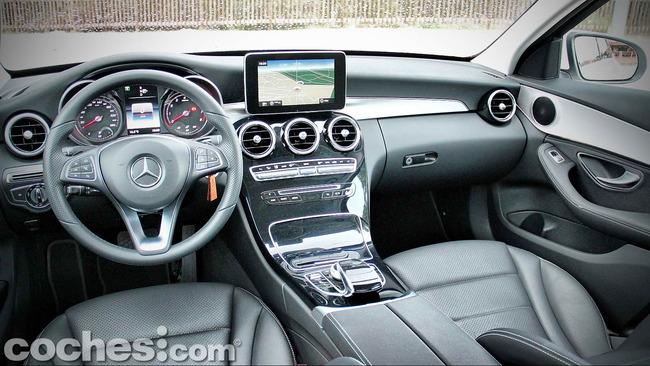 Mercedes_Benz_Clase_C_180_41