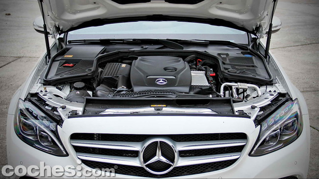 Mercedes_Benz_Clase_C_180_72