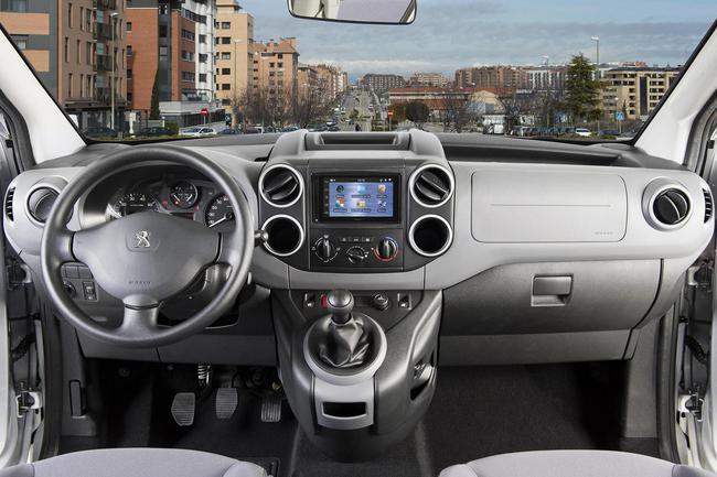 Peugeot Partner Office 2014 interior