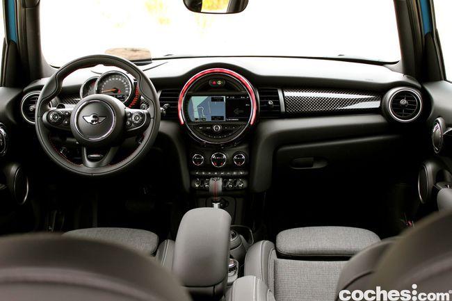Prueba MINI 5 puertas Cooper SD interior 13
