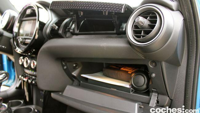 Prueba MINI 5 puertas Cooper SD interior 20