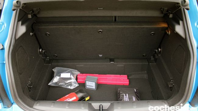 Prueba MINI 5 puertas Cooper SD - maletero 03