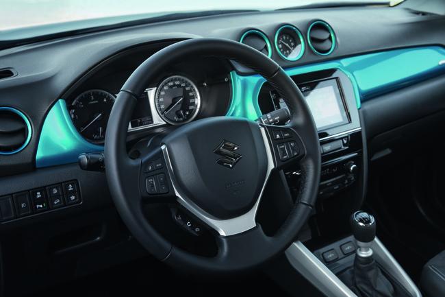 Suzuki Vitara 2015 interior 09