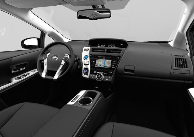 Toyota Prius+ 2015 interior 01