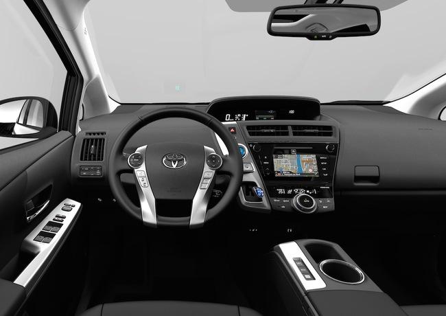 Toyota Prius+ 2015 interior 02