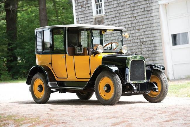 Y - 1923 Yellow Cab Model A-2 Brougham Taxi