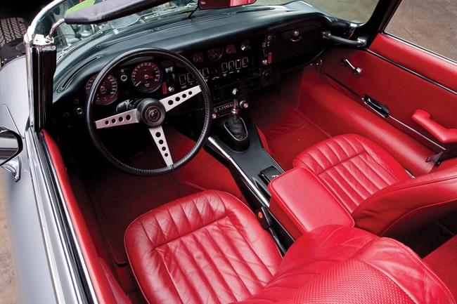 Jaguar E-Type V12 (3)