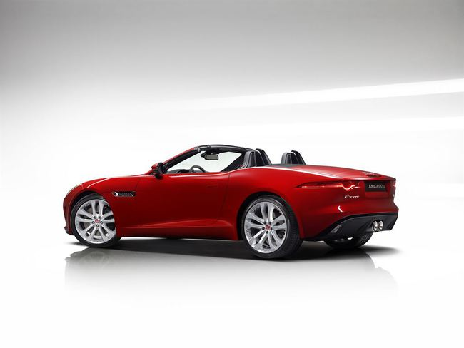 Jaguar F-Type Convertible 2016 18