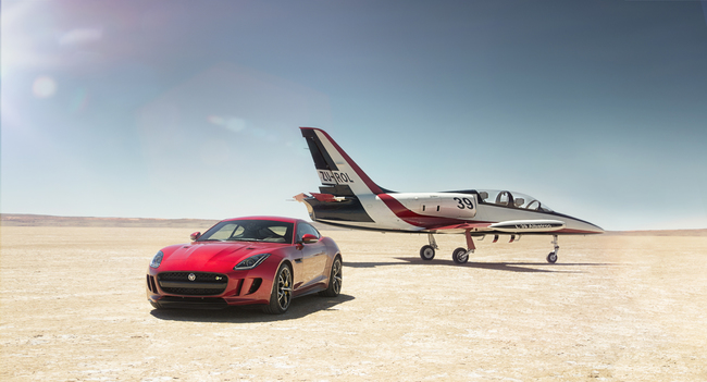 Jaguar F-Type R Coupe AWD 2015 04