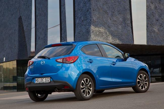 Mazda 2 2015 11