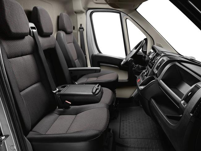 Peugeot Boxer 2014 interior 01