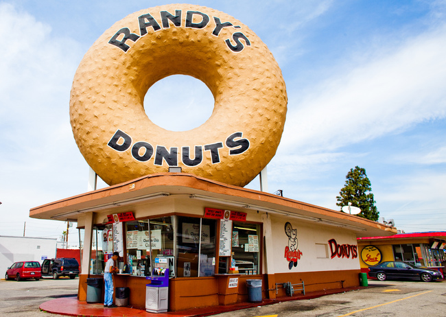 Randy's Donuts - Inglewood, California - Flickr Thomas Hawk