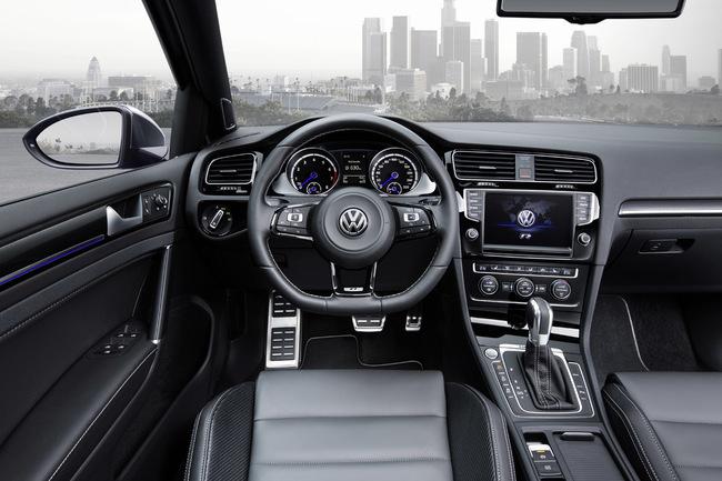 Volkswagen Golf R Variant 2014 interior 01