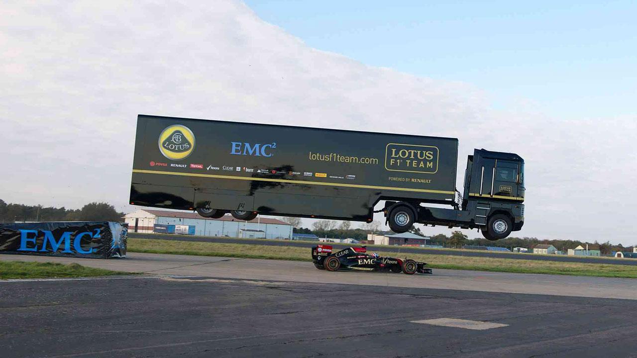 camion Lotus salto