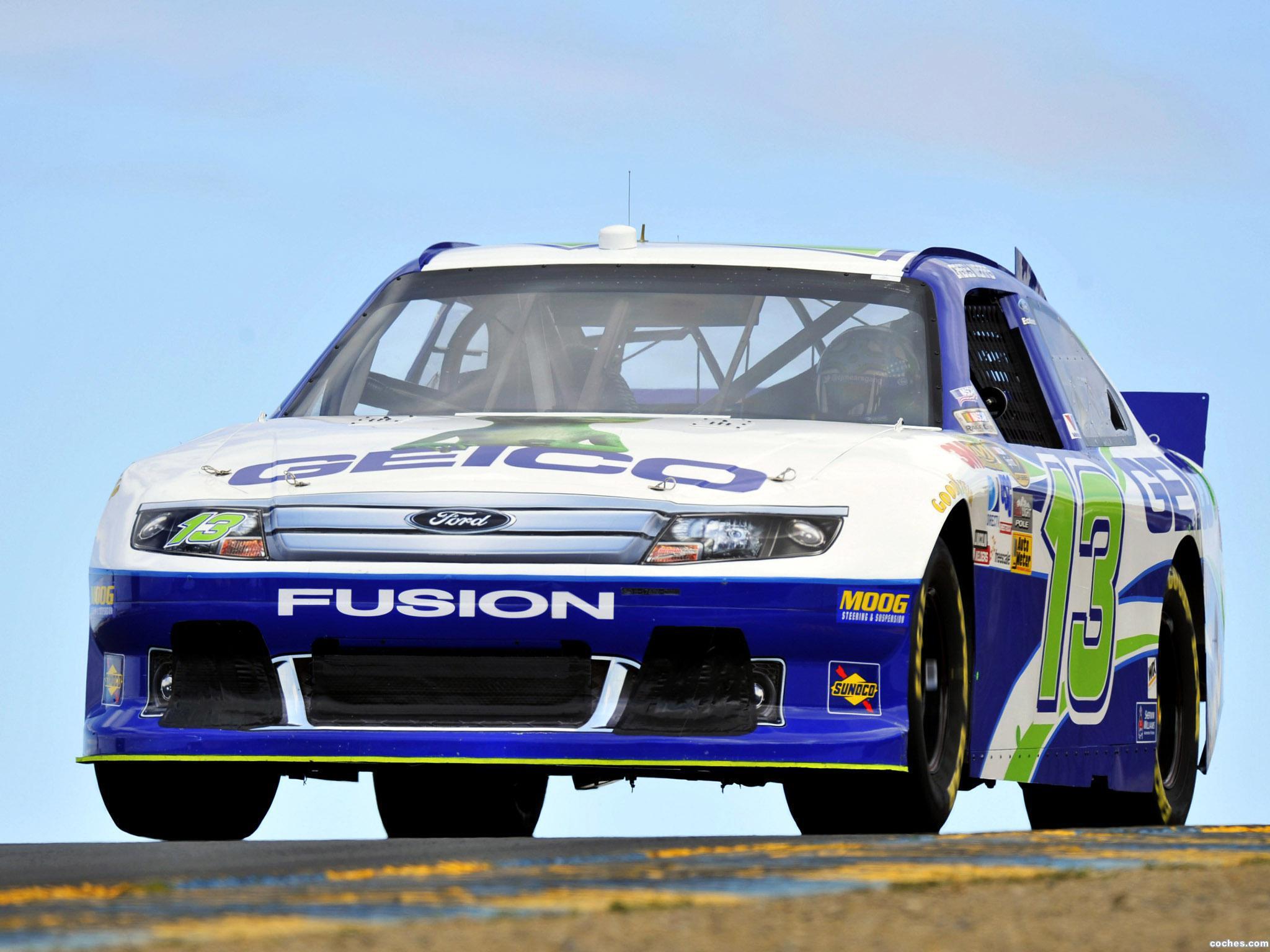 ford_fusion-nascar-sprint-cup-series-race-car-2012_r5