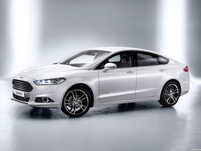 ford_mondeo-hybrid-sedan-2013_r4