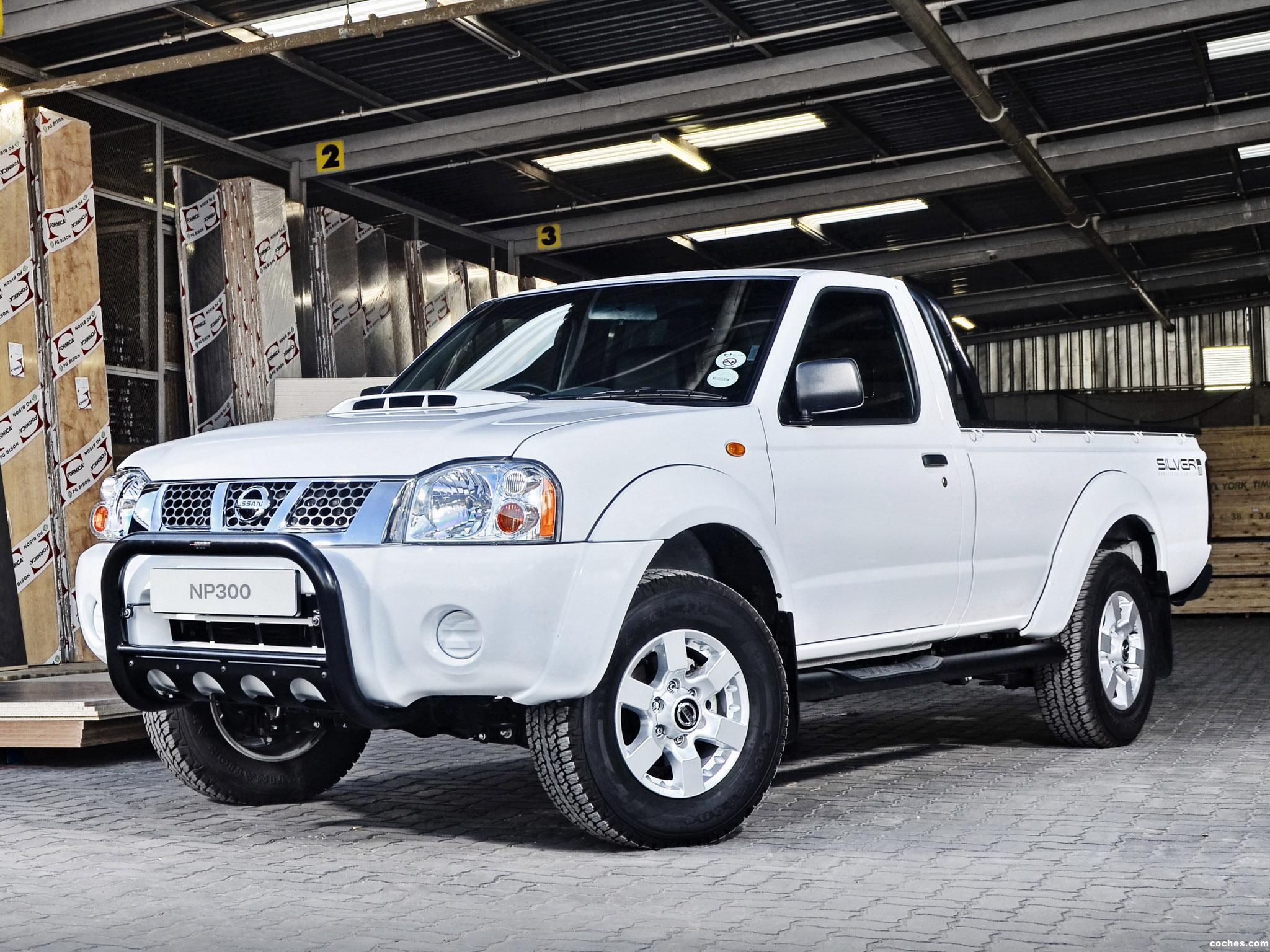 Fotos de Nissan NP300 Hardbody Silver Single Cab D22 2013