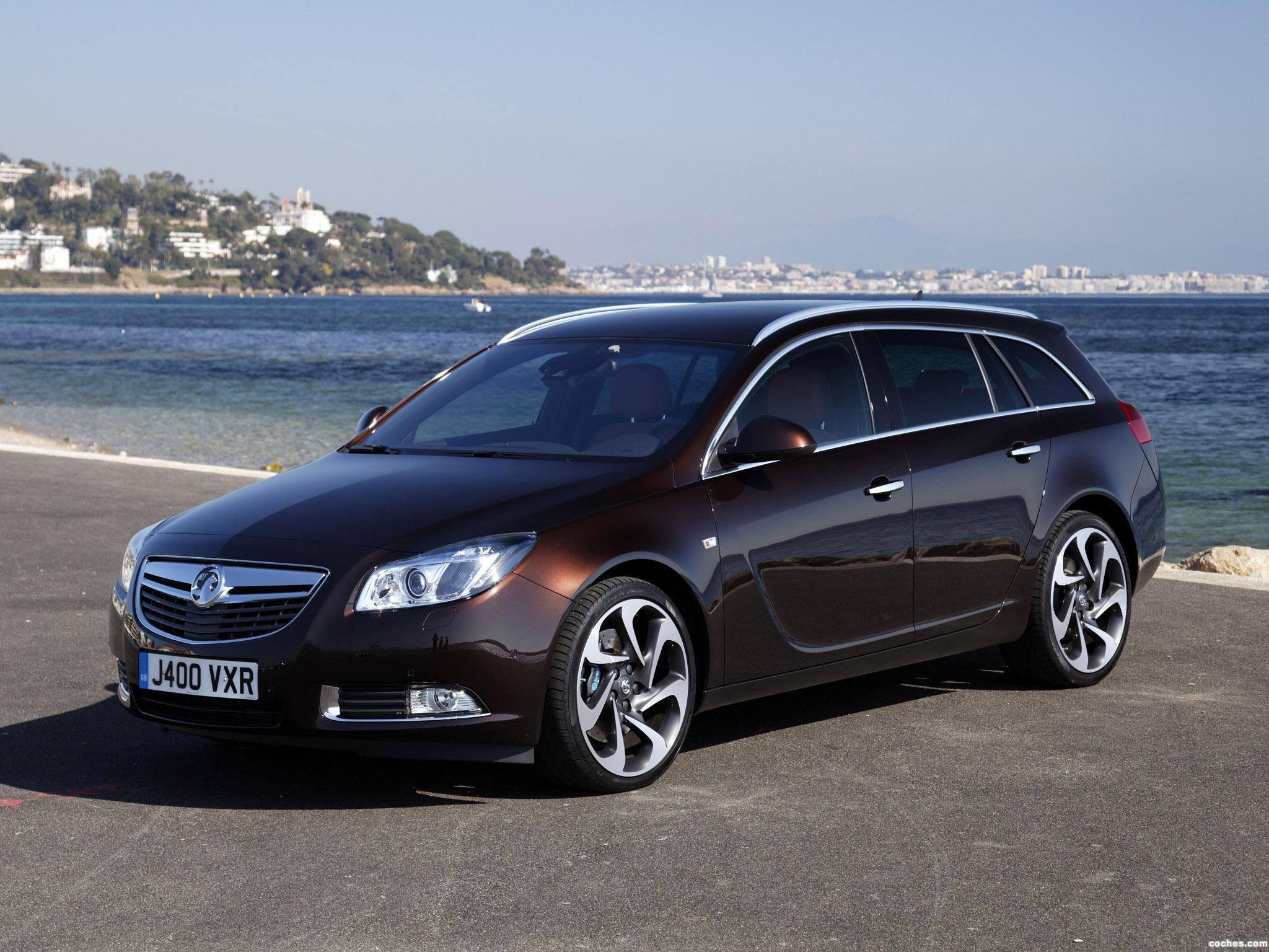 fotos de vauxhall insignia 4x4 biturbo sports tourer 2012. Black Bedroom Furniture Sets. Home Design Ideas