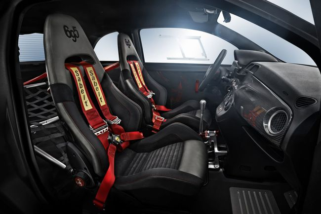 Abarth 695 biposto interior 2014 01