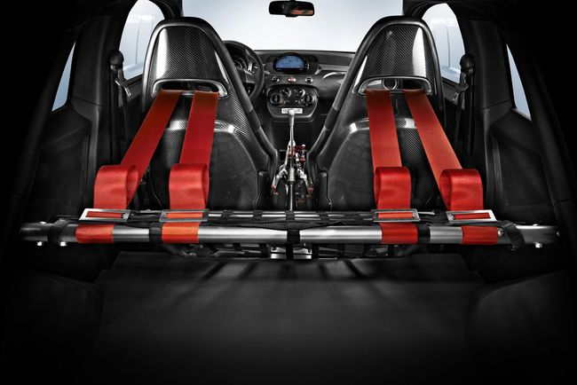 Abarth 695 biposto interior 2014 02