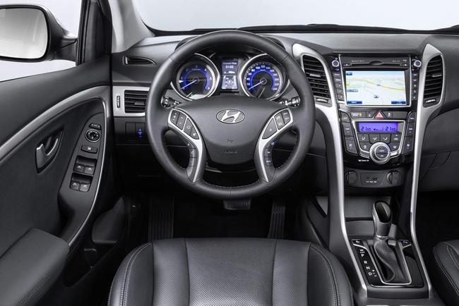 Hyundai i30 2015 interior 02