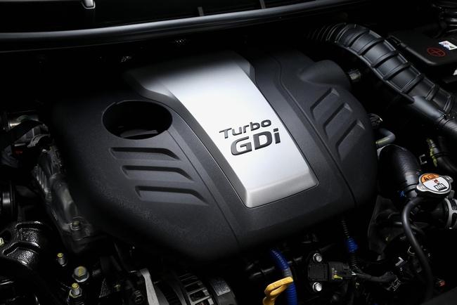 Hyundai i30 Turbo 2015 motor 01