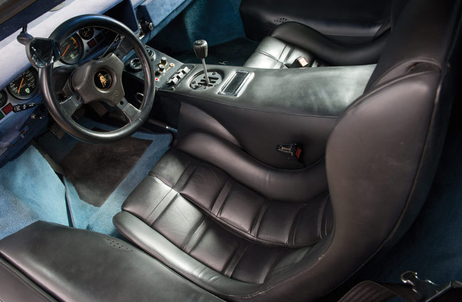 Lamborghini Countach LP400S 1979 interior 01