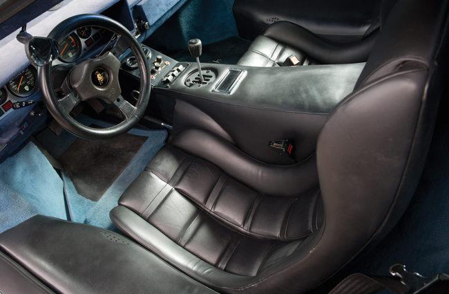 Lamborghini Countach LP400S 1979 interior 01