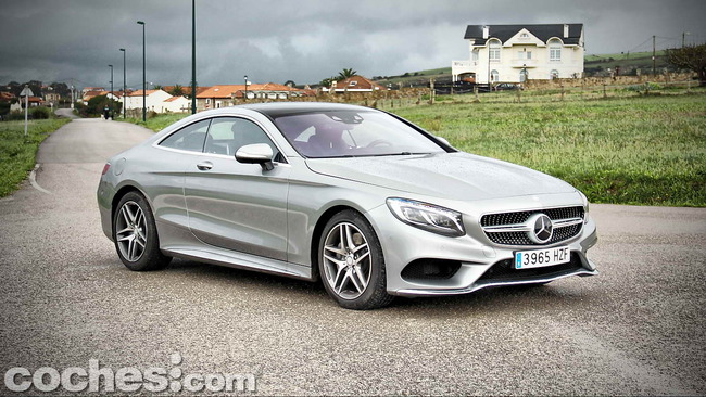 Mercedes_Benz_Clase_S_500_4MATIC_Coupe_02