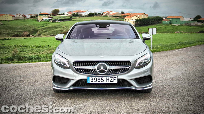 Mercedes_Benz_Clase_S_500_4MATIC_Coupe_11