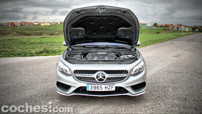 Mercedes_Benz_Clase_S_500_4MATIC_Coupe_35