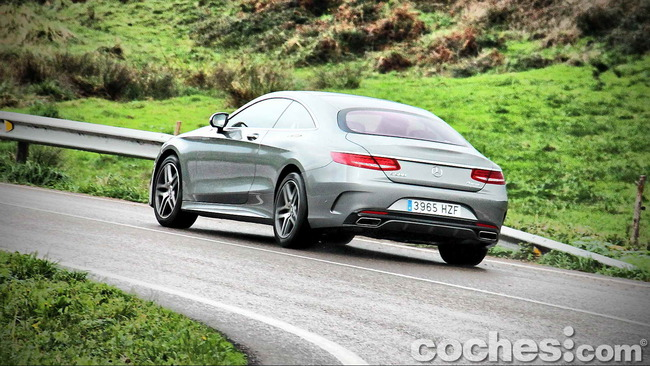 Mercedes_Benz_Clase_S_500_4MATIC_Coupe_45