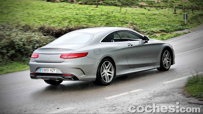 Mercedes_Benz_Clase_S_500_4MATIC_Coupe_54
