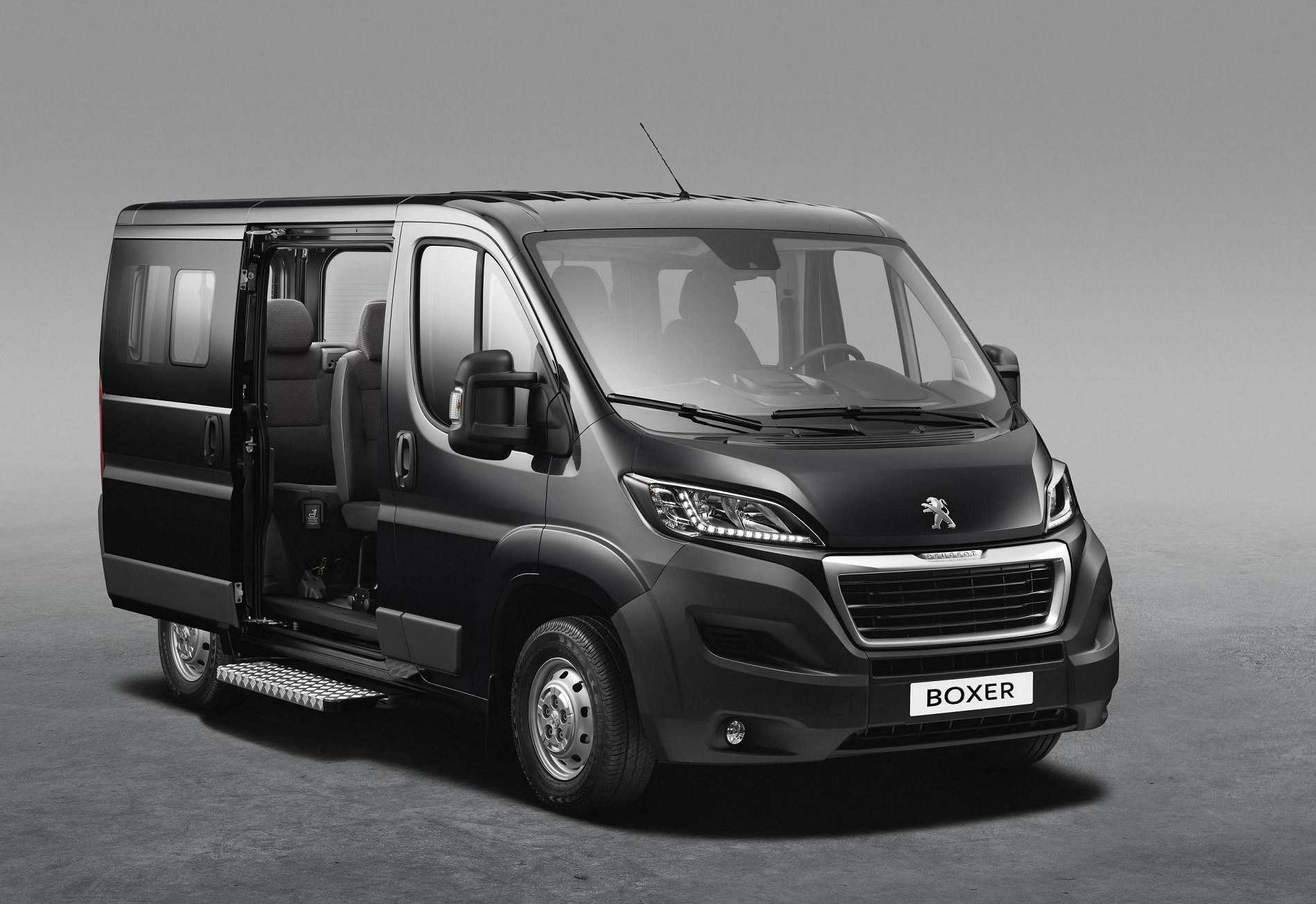 peugeot boxer combi 2014 la versi n m s vers til del furg n. Black Bedroom Furniture Sets. Home Design Ideas