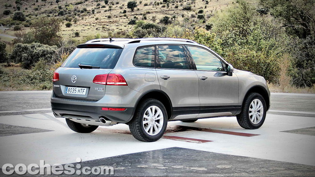 Volkswagen_Touareg_Terrain_Tech_05