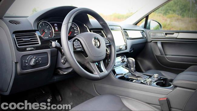 Volkswagen_Touareg_Terrain_Tech_25