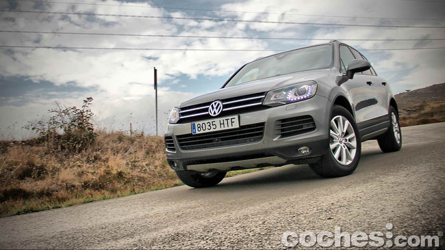 Volkswagen_Touareg_Terrain_Tech_90