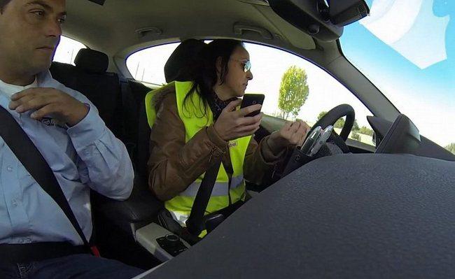 chat movil en coche