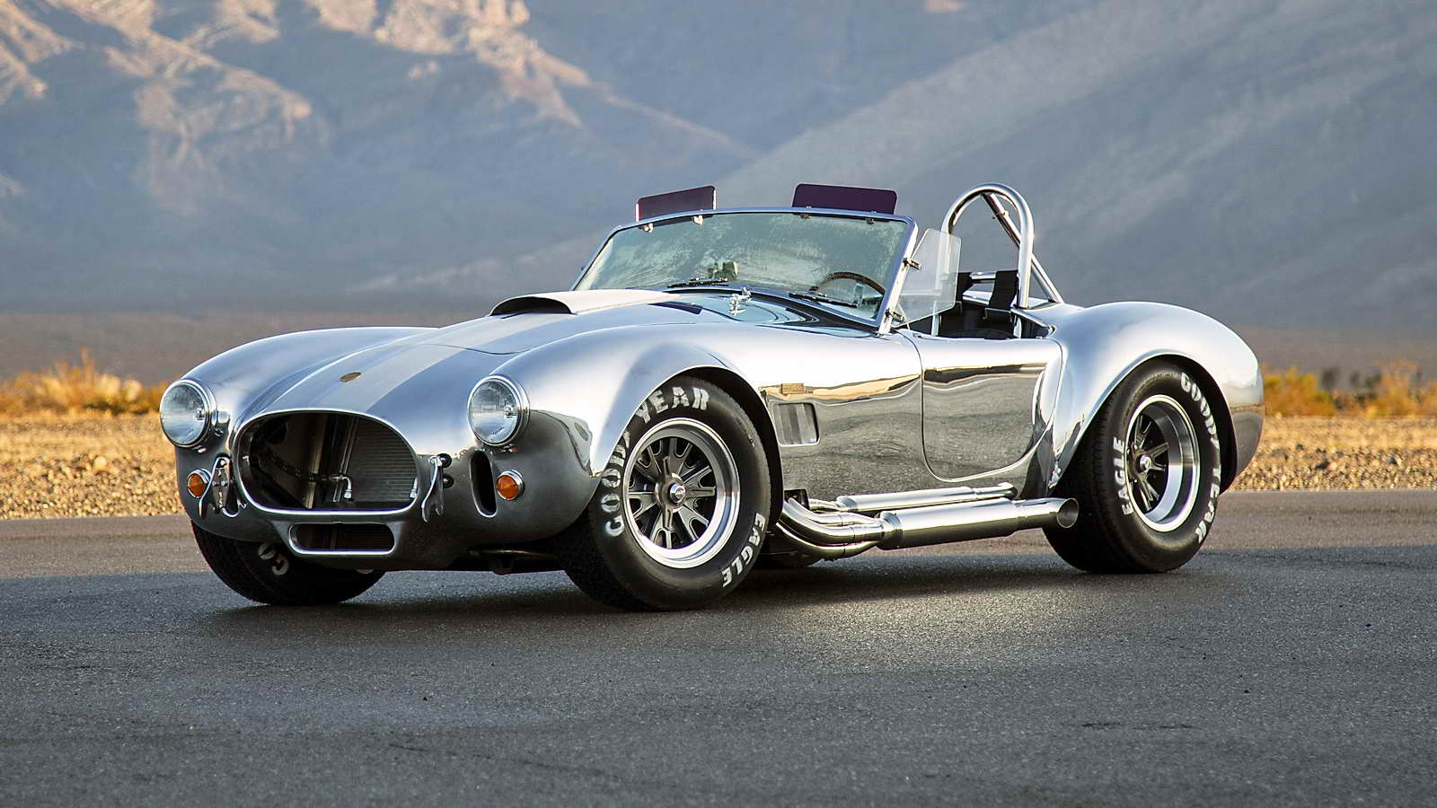 50th_Anniversary_Shelby_Cobra_427_01