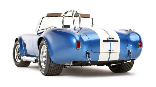 50th_Anniversary_Shelby_Cobra_427_04