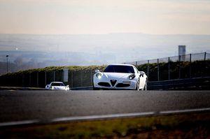 Alfa Romeo 4C: prueba contacto en circuito del Ave Fénix de Alfa
