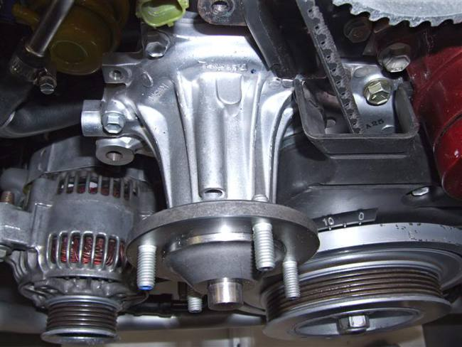 Refrigeraci n del motor qu es y principales sistemas que for Cambiar bomba de agua