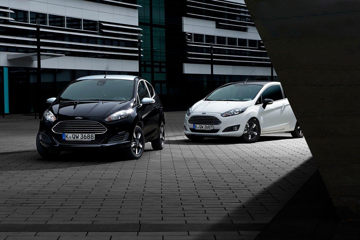 Ford Fiesta Black White 2015